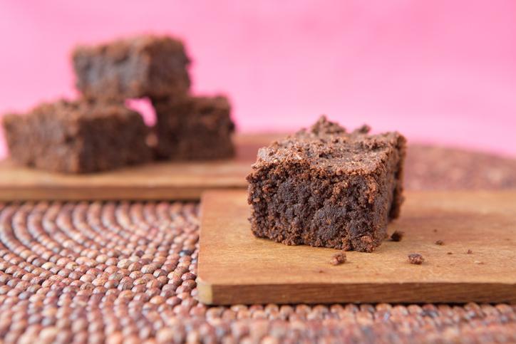 bizcochos de chocolate con aguacate